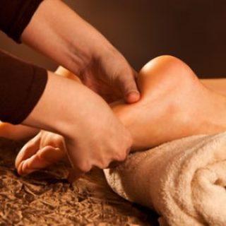 Professionelle Massage eines Fusses